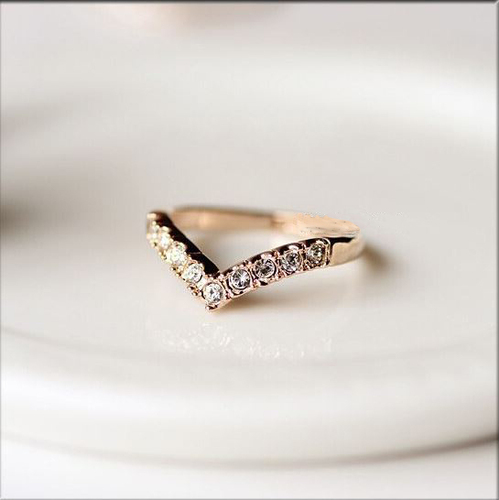 JCBid.com Beautiful-Ring-V-shaped-with-Clear-Crystals-